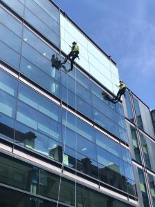glazing inspection via rope access