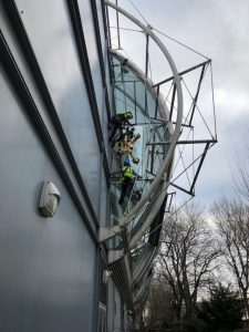 difficult access glass replacement by abseil and vacuum lifter